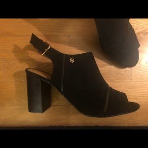 Tommy Hilfiger Relita 2 Black Suede Sandal Sz 9.5
